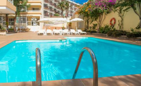 POOLS HL Sahara Playa**** Hotel in Gran Canaria