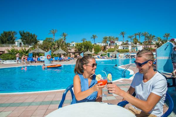 Pool-bar hl club playa blanca hotel lanzarote