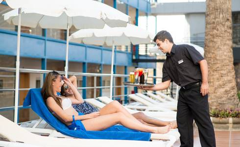 POOL-BAR HL Sahara Playa**** Hotel in Gran Canaria
