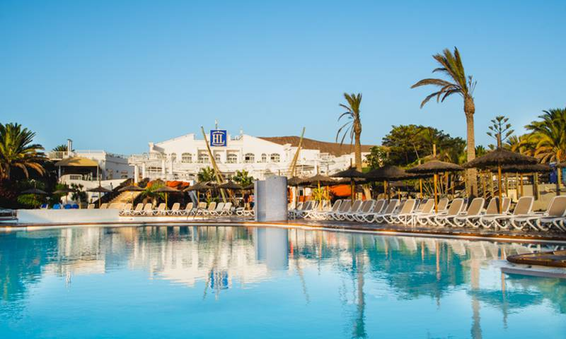 Schwimmbad HL Paradise Island**** Hotel in Lanzarote