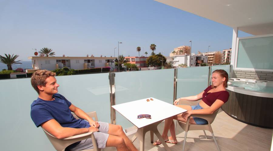 JUNIOR SUITE MIT WHIRLPOOL HL Suite Nardos Hotel in Gran Canaria